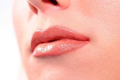 So kriegen Sie auch im Winter glatte Lippen.