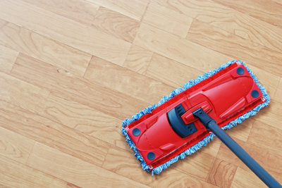 Laminat – reinigen und pflegen Sie den Bodenbelag richtig!