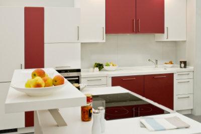 Mit neuen Küchenfronten können Sie schnell frischen Wind in Ihre Küche bringen.