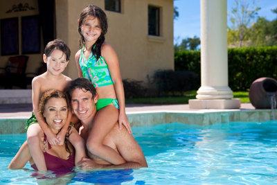 Gesunde Freizeitgestaltung ohne Algen im Pool
