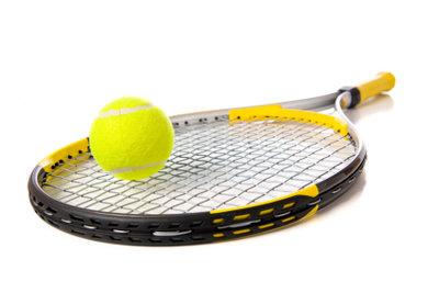 Beim Kauf eines Tennisschlägers für Anfänger gilt es ein paar Dinge zu beachten.