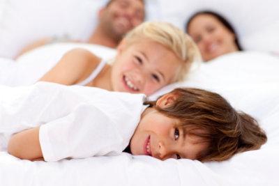 Machen Sie den Milben im Bett ein Ende.