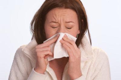 Eine Stinhöhlenentzündung durch Inhalieren lindern.