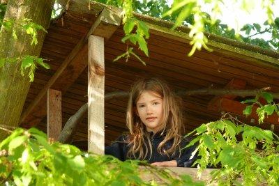 Ein Baumhaus ist das ideale Sommerdomizil für Kinder