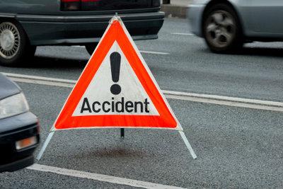 Sie müssen einen Unfallbericht schreiben? So machen Sie es richtig.