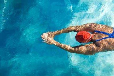 Schwimmen ist ein Ganzkörpertraining - Ausdauersport und Krafttraining in einem.