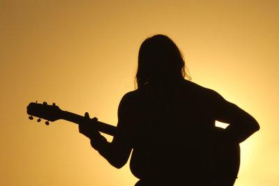 Wenn Sie gut werden möchten, müssen Sie regelmäßig Singübungen machen.