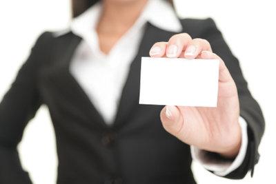 Zu den gut bezahlten Ferienjobs gehört auch die Tätigkeit als Messe-Hostess.