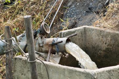 Mit einer Grundwasserbohrung zum eigenen Brunnen.