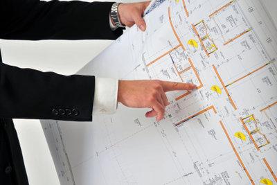 Wenn man die Bedeutung der Angaben im Grundriss eines Hauses kennt, kann man ihn leicht lesen.