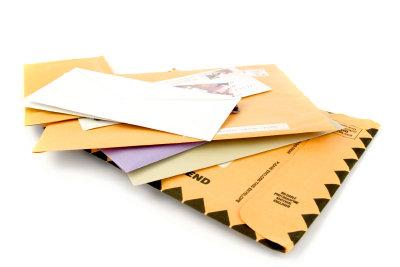 Fremde Briefe, die bei Ihnen im Briefkasten landen, dürfen Sie natürlich nicht behalten.