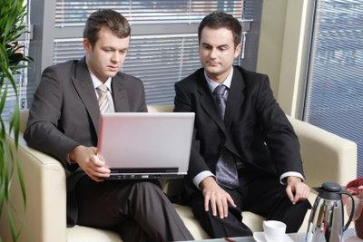 Überzeugen Sie Ihren Berater bei der Agentur für Arbeit von Ihrem Umschulungswunsch.