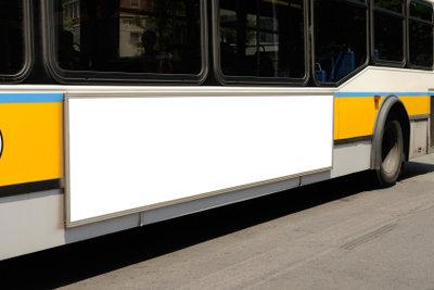 Vertreiben Sie sich die Wartezeit auf den Bus mit sinnvollen, kurzweiligen Beschäftigungen.