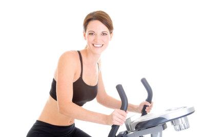 Mit dem Fahrrad-Heimtrainer sinnvoll die eigene Kondition trainieren? Kein Problem!