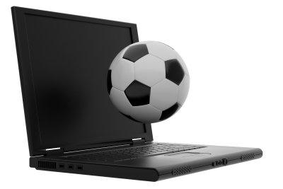 Sie können Fußball auch online über den Rechner schauen.