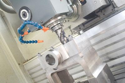 Viele Fräsmaschinen haben eine CNC-Programmierung.