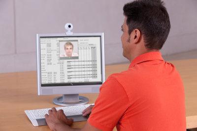 Führen Sie ganz einfach Videogespräche mit Skype.