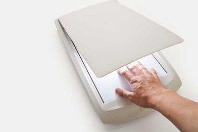 Mit einem Flachbettscanner können Sie Foto von Foto nachmachen.