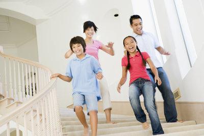 Die Vorgaben der DIN 18065 ermöglichen sichere Treppen für alle.
