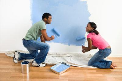 Wenn Sie Ihre Wandfarbe selbst anmischen möchten, gibt es Einiges zu beachten.