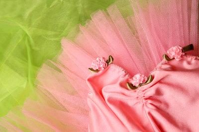Jeder Kleiderschrank gibt eine einfache Verkleidung für Karneval her.