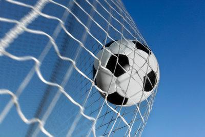 So verpassen Sie kein Tor der Fußball-Bundesliga: Sehen Sie sie live im Online-Stream.