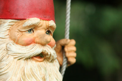 Typisch für ein Zwergenkostüm: Zipfelmütze und Bart.