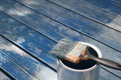 Die graue Magnetfarbe können Sie mit Lack oder Wandfarbe leicht kaschieren.