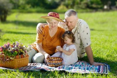 Für Eltern passende Ostergeschenke finden