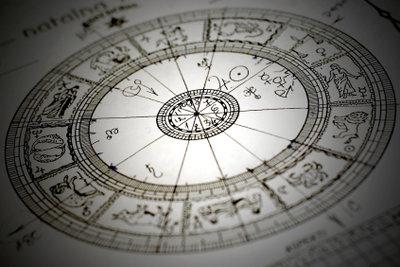 Welche Sternzeichen passen gut zusammen?