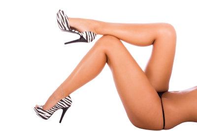 Schöne Beine ohne Cellulite sind gar nicht so einfach zu halten.
