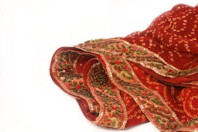 Aus solch schönem Stoff lässt sich zum Karneval leicht ein Sari nähen.