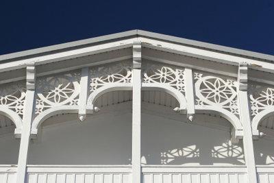 Immer ein Hingucker: Balkonverkleidungen aus Holz.