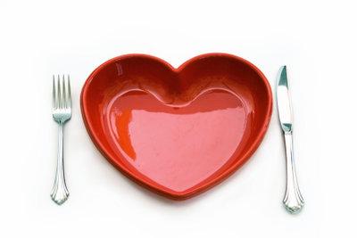 Eine ausgewogene Ernährung hilft bei zu viel Eisen im Blut.