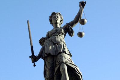 Eine Anzeige wegen Verleumdung kann vor Gericht enden.