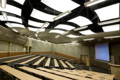 Akademische Ausbildung muss sein: Der Weg in die Soziale Arbeit führt über den Hörsaal.