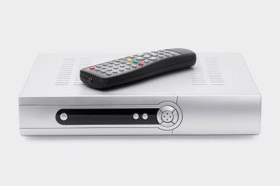 Um HD empfangen zu können brauchen Sie einen Sat-Receiver.