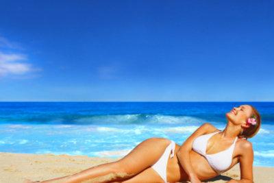 Einen hübschen Bikini können Sie schnell selbst nähen.