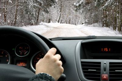 Gute Vorbereitung hilft bei Nervosität wegen der praktischen Fahrprüfung.