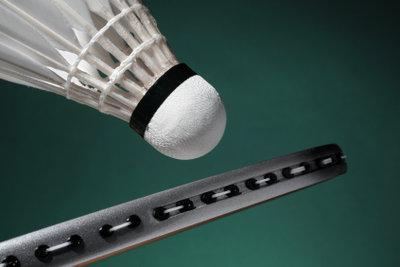 Auch beim Badminton sollten Sie sich vor dem Training gut aufwärmen.
