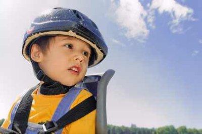 Auch beim Kinderfahrradsitz vorne muss die Sicherheit für Fahrer und Kind gewährleistet sein.