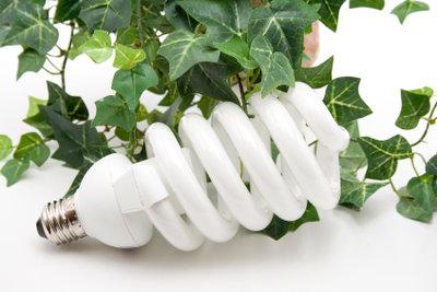 Spezielle Energiesparlampen können durch Dimmen den Stromverbrauch weiter senken.