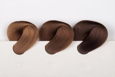 Ob blond oder schwarz - eine neue Haarfarbe sorgt für Abwechslung!