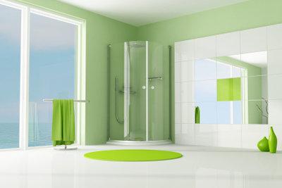 Klare Linien und streifenfreies Glas durch regelmäßiges Reinigen bewahren.