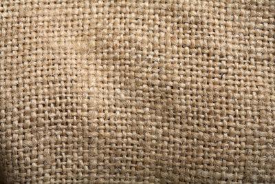 Mit den richtigen Reinigungsmitteln wird Ihr Sisalteppich wieder richtig sauber.