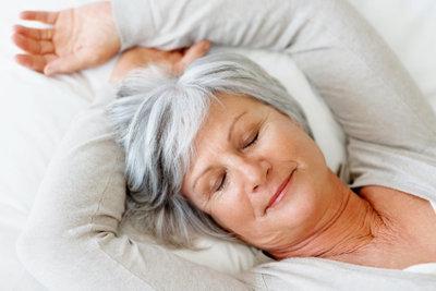Schlafstörungen in den Wechseljahren müssen nicht sein.