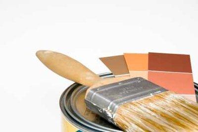 Wenn Sie Ihr Wohnzimmer streichen, sollten Sie sauber arbeiten.