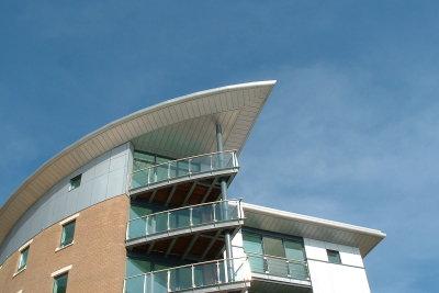 Eine Balkon-Abdichtung muss sorgfältig verarbeitet sein, wenn sie Nutzen bringen soll.