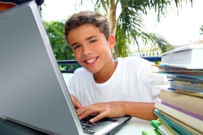 Die Lieblingsgesprächsthemen vieler Jungs drehen sich um Computer, Technik und Computerspiele.