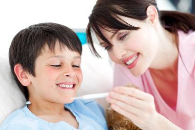 Ob Ihr Kind Fieber vortäuschen möchte, können Sie ganz leicht herausfinden.